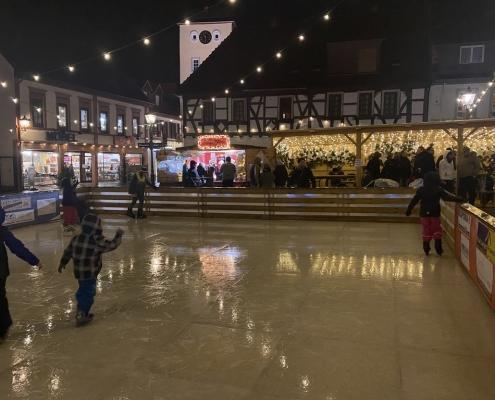 Weihnachtszauber 2019 Kinder auf der Eisbahn